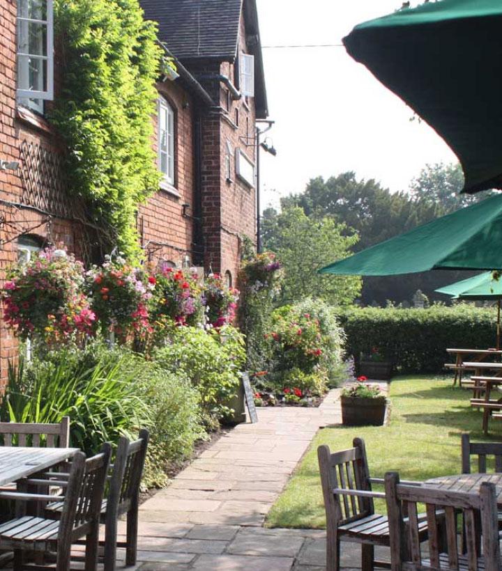 Brunning & Price pub garden